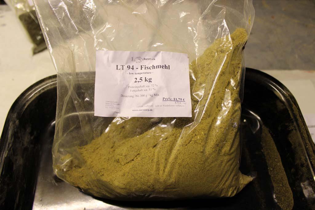 Fischmehl ist eine super Grundlage für Boilies. Foto: BLINKER
