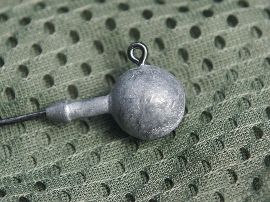Der Rundkopf-Jig ist die universelle Bleikopfform, mit der man nicht nur nur gute Wurfweiten erzielen kann, sondern auch auf unterschieldiche Raubfische angeln kann. Foto: BLINKER