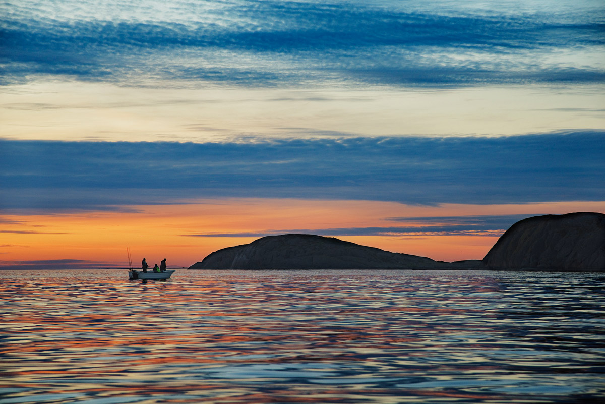 Angeln rund um die Uhr ist auch unterhalb des Polarkreises im Sommer möglich. Foto: BLINKER/W. Krause