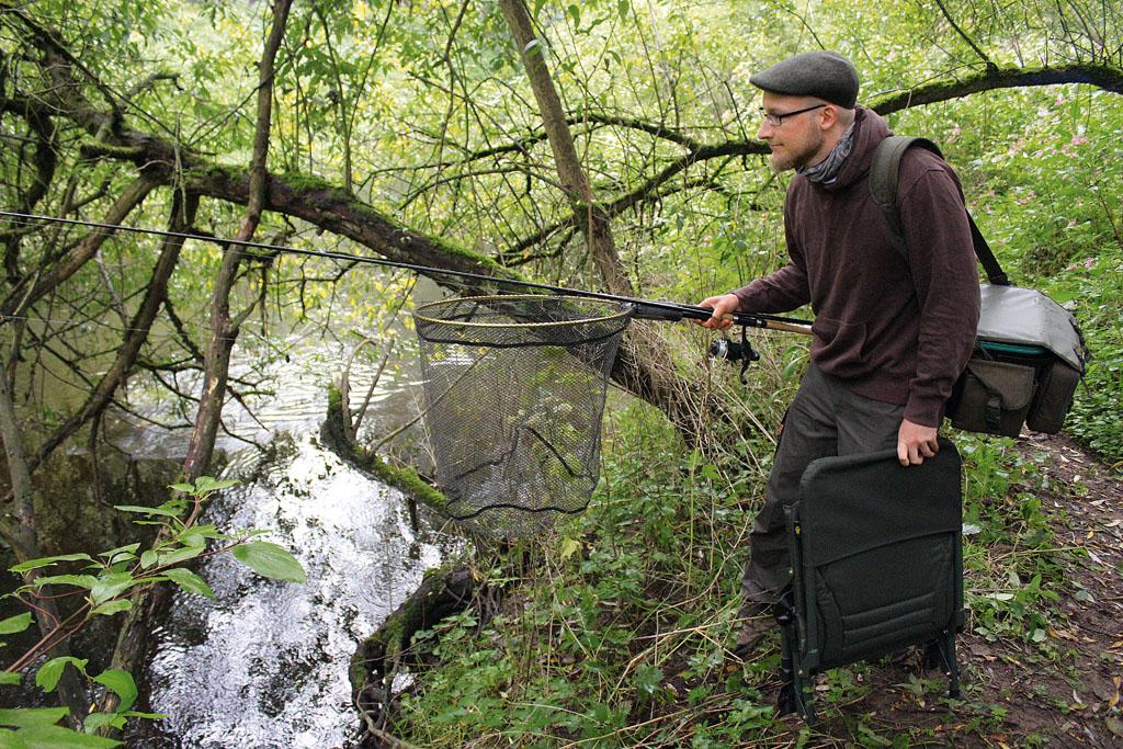 Nur wer sich langsam und vorsichtig ans Gewässer heran schleicht, wird am Ende auch mit tollen Herbst-Döbeln belohnt. Foto: BLINKER/Ch.Hellwig