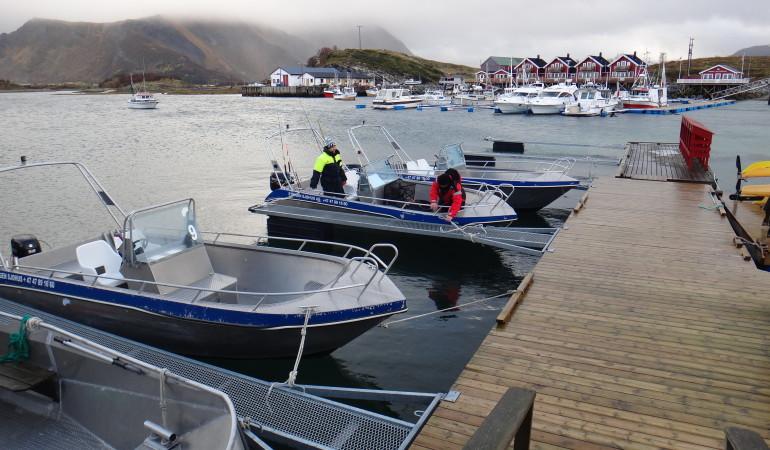 Die 19 Fuß-Aluboote mit sparsamen 50 PS-Motoren sind auch für raue Bedingungen auf dem Wasser geeignet.