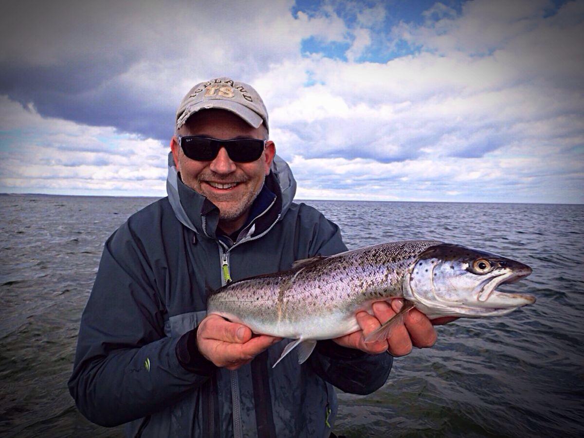 Michael Werner fischte bereits auf Meerforelle, als kaum jemand diesen Fisch kannte. In FliegenFischen 2-16 stellte er seine besten Fliegen, die fangen, vor.