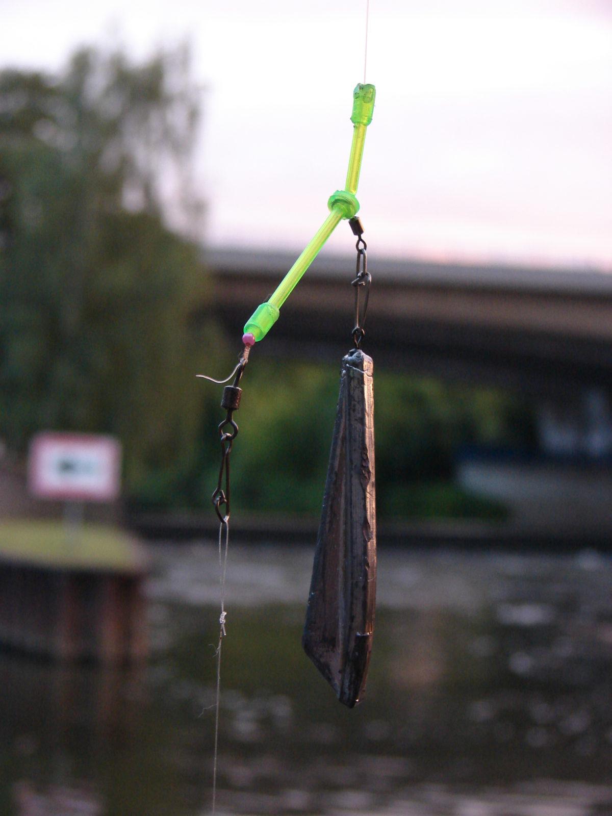 Die Grundmontage fürs Aalangeln ist simple: Ein Anti-Tangl-Boom, ein Perle, Wirbel und das Vorfach mit dem Haken – fertig! Foto: S.Kaufmann