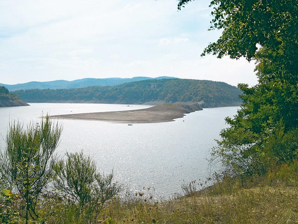 Niedrigwasser im Edersee. Foto: BLINKER/D. Schröder