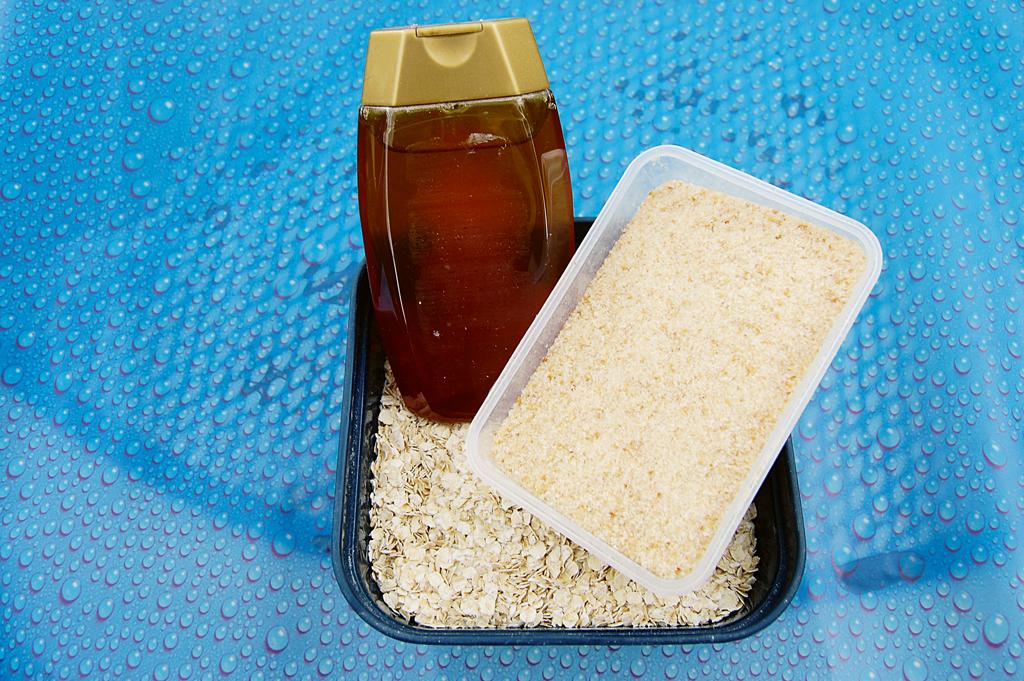 Ein süßer Teig mit Honig verfeinert ist schnell und einfach hergestellt. Foto: BLINKER/D. Schröder