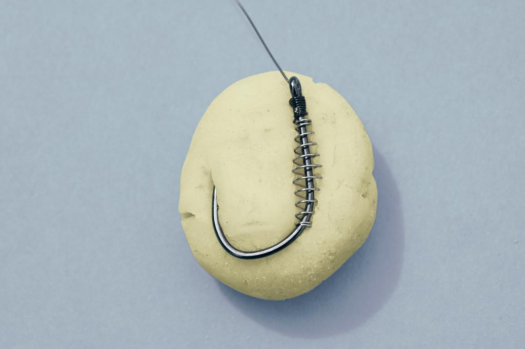 Die Spirale sorgt dafür, dass der Teig auch länger am Haken hängen bleibt. Foto: BLINKER/H. Jagusch