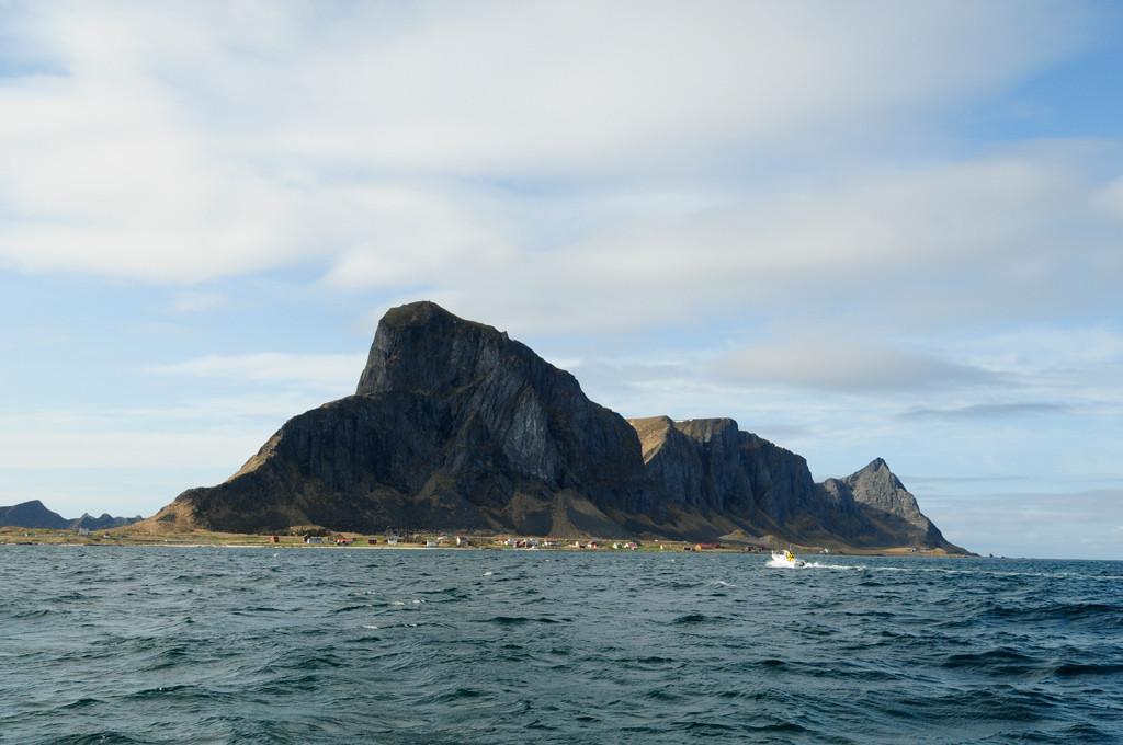 Die kleine Lofoteninsel Værøy gilt als Top-Heilbuttrevier in Norwegen. Foto: R.Korn