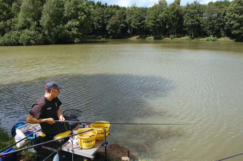 Drill mit der Stippe bei Brassen angeln