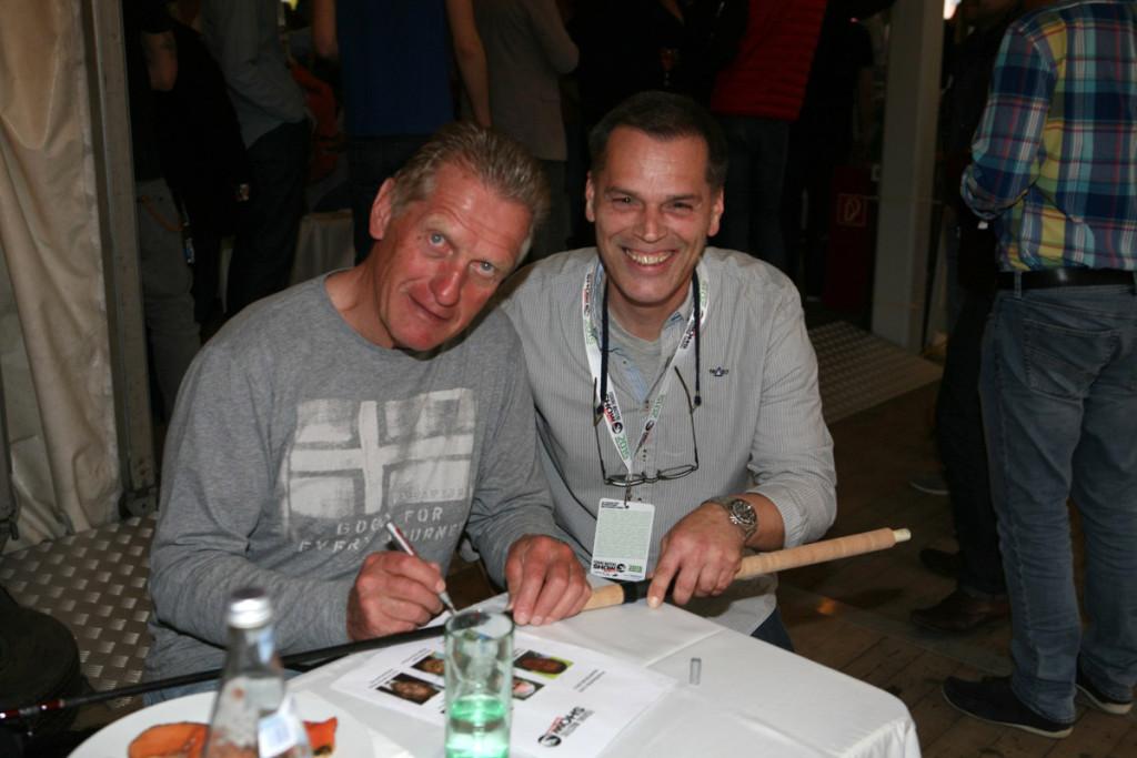 Erlebt die Stars auf der Fishing Masters Show, wie hier Hans Zach, live.