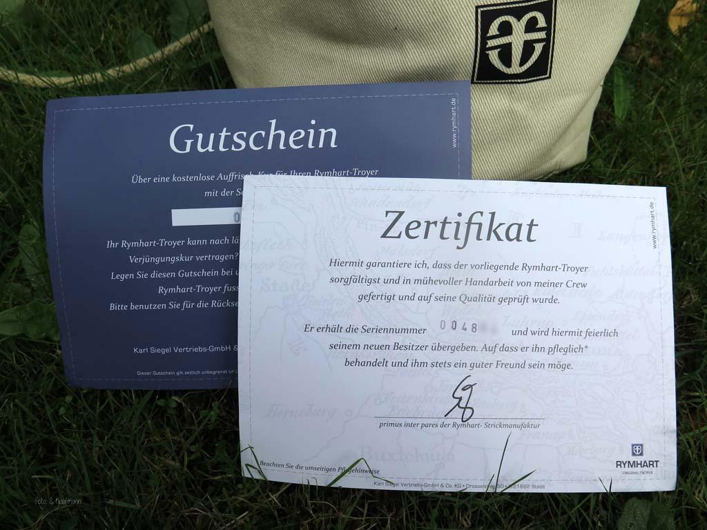 Im Lieferumfang beim Angel Pullover enthalten ein Gutschein zur Auffrischung und ein Zertifikat.