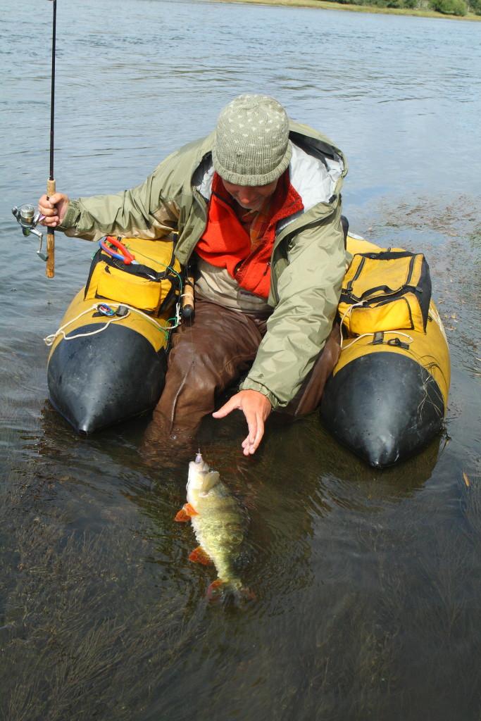Belly-Boate sind heute bequem und modern. In ihnen kann man lange und auf verschiedene Fische angeln.