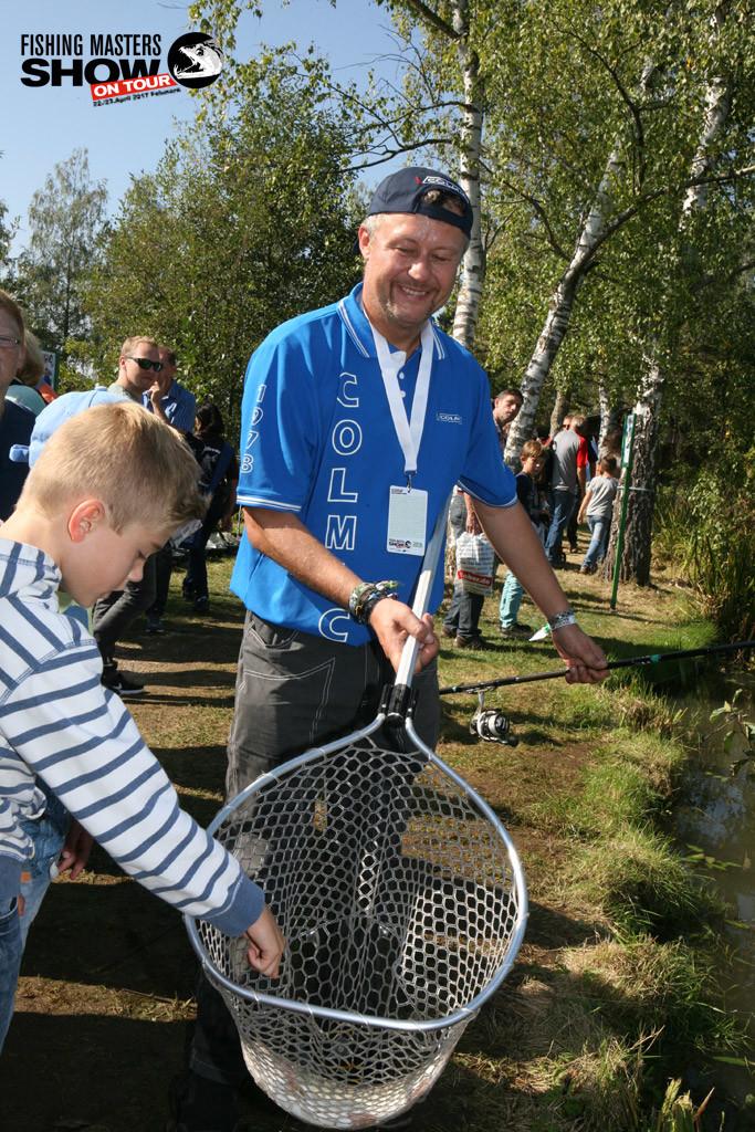 Auch das Forellenangeln wird auf der Fishing Masters Show auf Fehmarn eine wichtige Rolle spielen. Hier zu sehen Klaus Illmer, der in Gunzenhausen mit seinen Fängen bei jung und alt für Begeisterung sorgte.