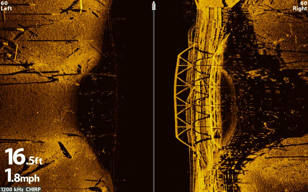 Sensationelle Echolotaufnahmen zeigte Humminbird mit seiner Mega Imaging Technologie – hier eine Stahlbrücke aus einem gefluteten Tal.