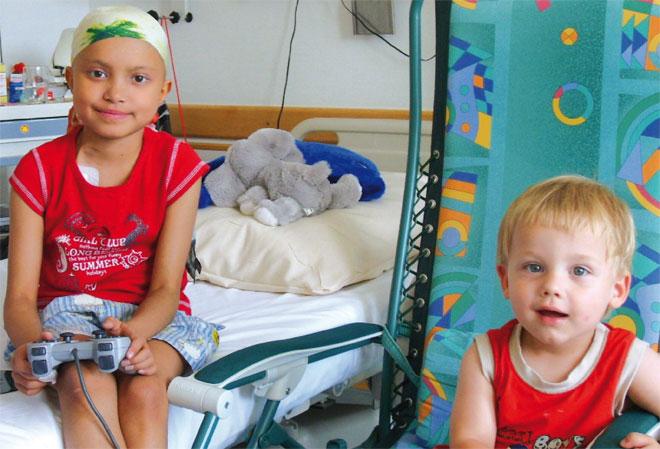 """Der """"Förderverein für krebskranke Kinder Tübingen e.V."""" kümmert sich um die psychologische Nachsorge der an Krebs erkrankten Kinder. Die Aktion """"Fliegenfischer mit Herz für krebskranke Kinder"""" unterstützt dieses Projekt."""