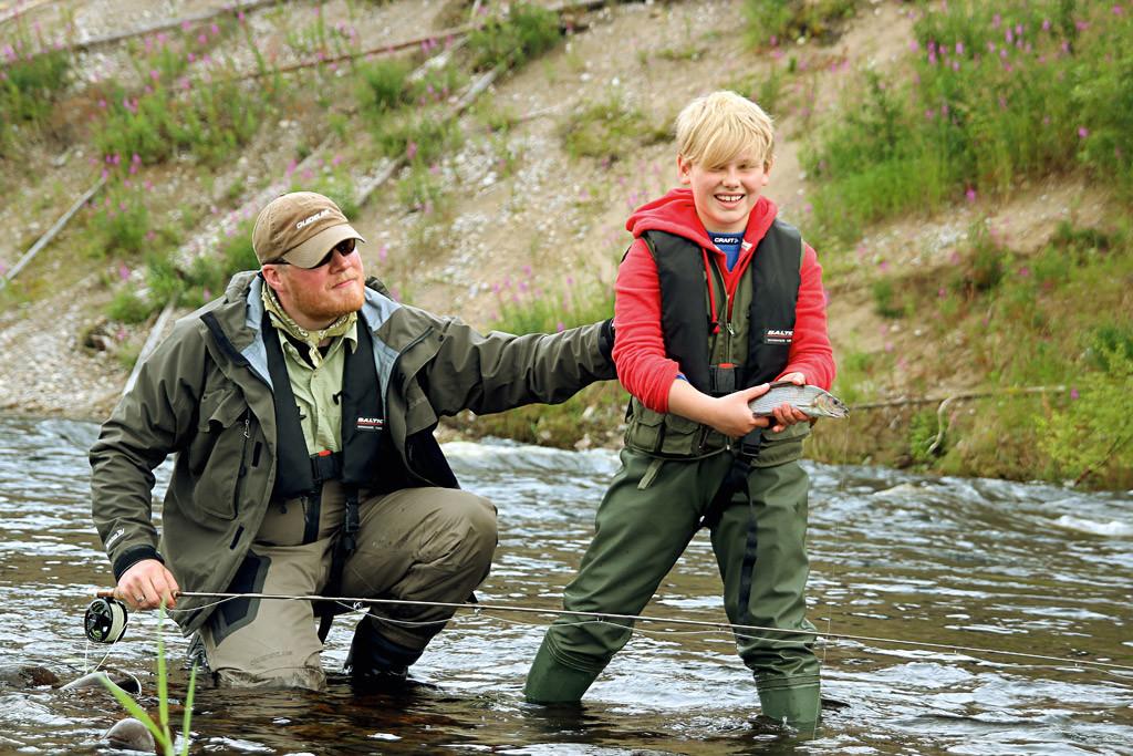 Ein Guiding ist als Weihnachtsgeschenk für Angler sowohl für große als auch kleine Angler bestens geeignet.