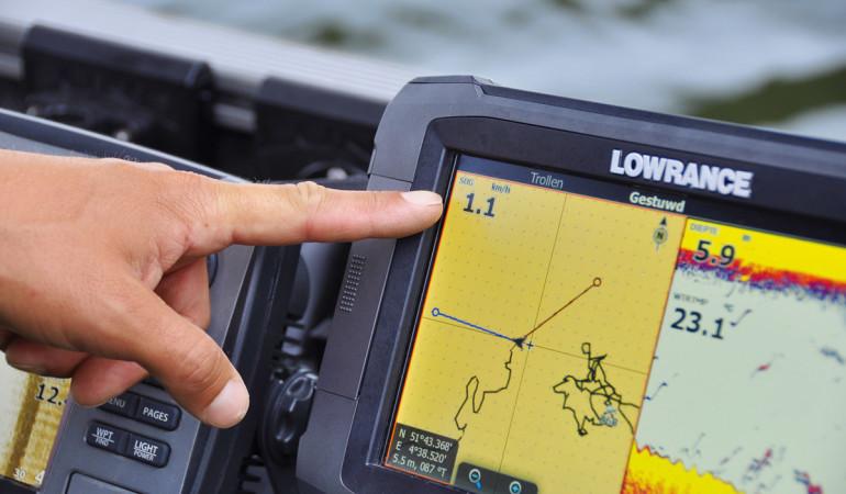 Zahlen, Linien, Formen - Beim Angeln mit Echolot ist eine genaue Vorkenntnis wichtig, um zielsicher zum Fisch zu kommen. Foto: BLINKER/ Jeremy Staverman