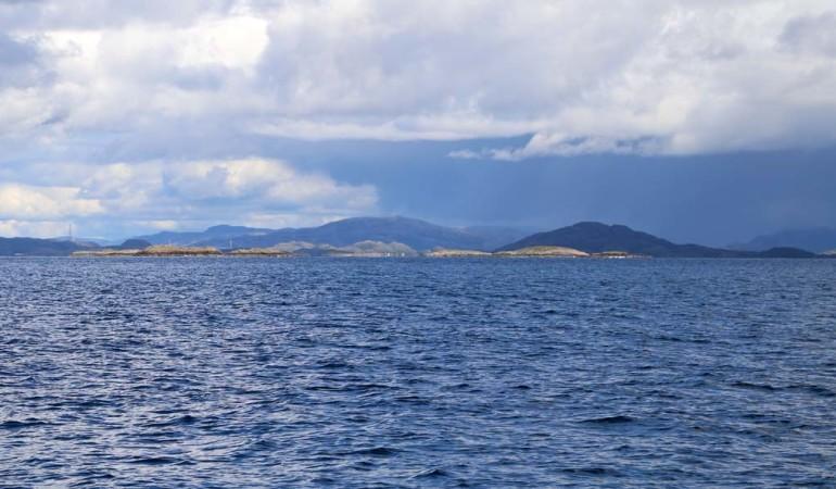 Ruhige See: Beste Bedingungen, um die Spots weit draußen mit dem Boot anzufahren und so die Chance auf Großfische zu sichern. Foto: D. Figge