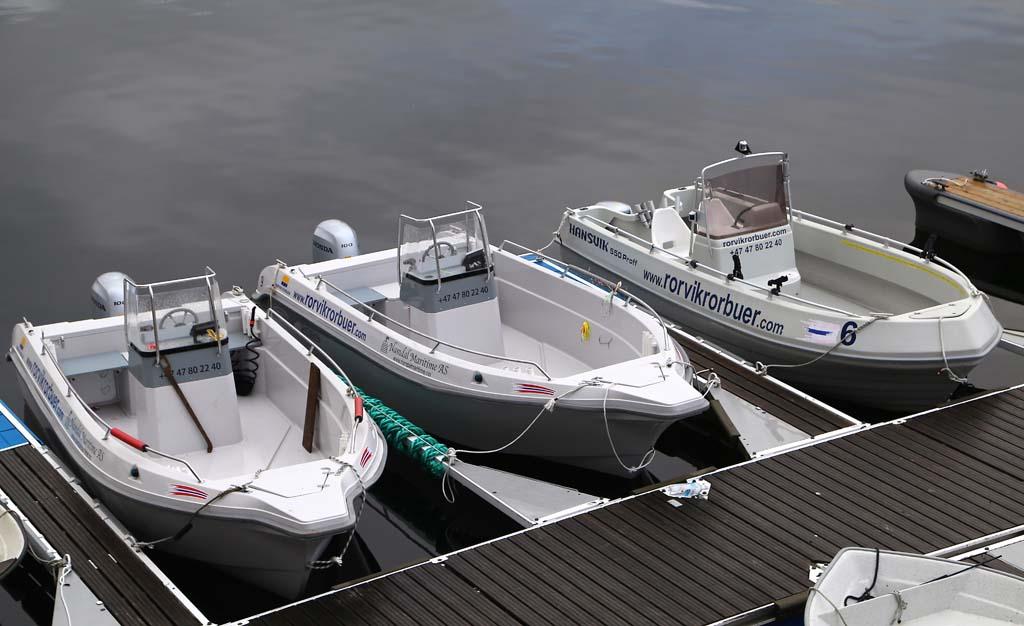 Für Angler stehen Boot direkt am hauseignen Steg zur Verfügung. Foto: D. Figge
