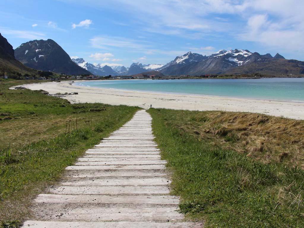 Nein, dass ist nicht die Karibik, sondern Norwegen auf den Lofoten. Foto: Borks