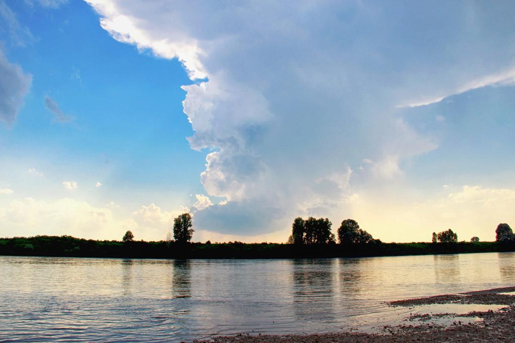 Schattenspender Wolke: Für Johann ein kurzer Moment der Abkühlung. Foto: privat