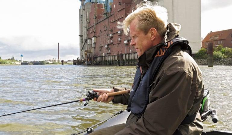 Für das Angeln während der Zanderschonzeit im Hamburger Hafen gelten ab sofort neue Regelungen. Foto: R. Schwarzer
