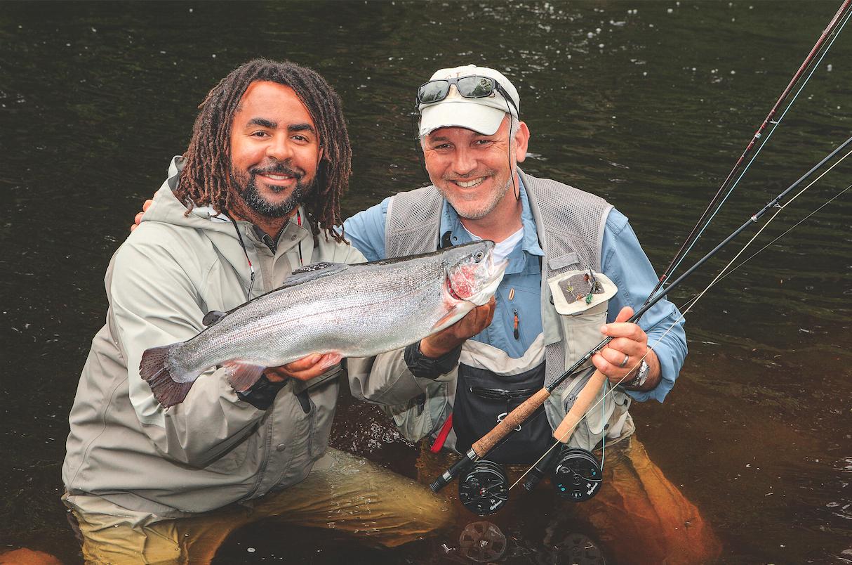 Faszination Angeln mit Patrick Owomoyela (links) und Michael Werner Fliegenfischen
