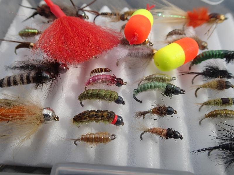 Oben die Bissanzeiger, darunter die Nymphen – wer beim Nymphenfischen auf einige kleine Dinge achtet, der wird Forellen, Äschen und andere Fische mit der Nymphe fangen. Foto: Michael Werner