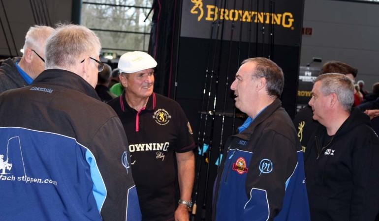 Am Browning-Stand steht der 4-fache Weltmeister Bob Nudd den Anglern Rede und Antwort. Foto: A. Pawlitzki