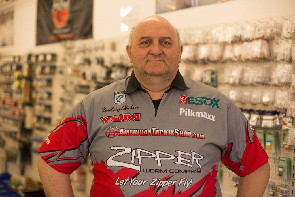 Geschäftsinhaber Karlheinz Alschner freut sich, Euch in seinem neuen Shop begrüßen zu dürfen. Foto: Americantackleshop.de