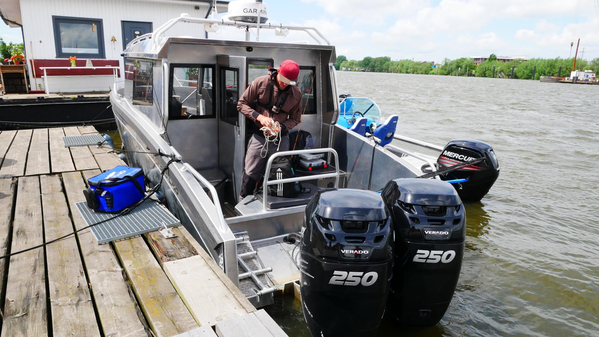 Diese zwei 250 PS starken Bootsmotoren haben richtig Power. Foto: Fischköppe