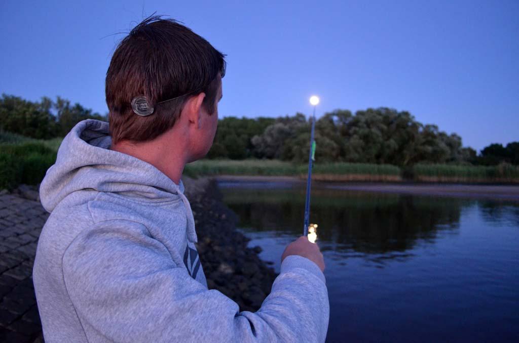 Wenn der Mond erstrahlt, hat man beste Aussichten auf einen Zanderfang in der Nacht. Foto: S. Kaufmann