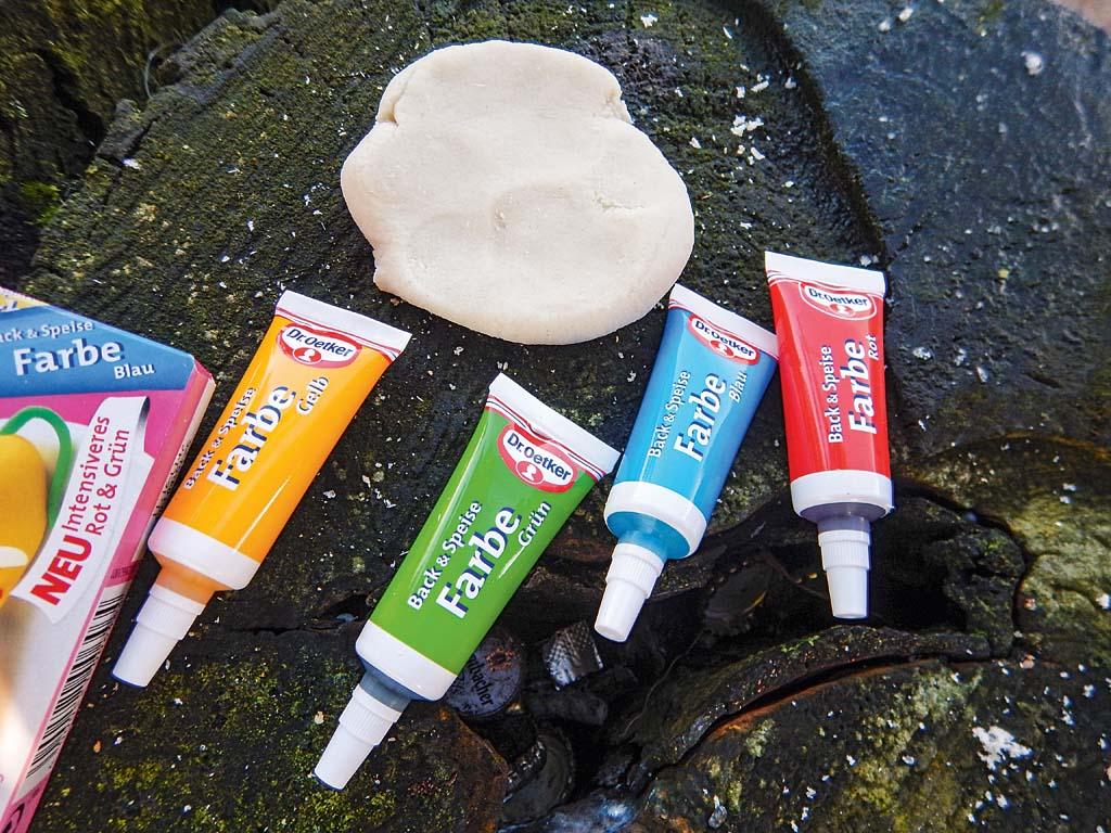 Lebensmittelfarbe ist unbedenklich fürs Gewässer und für die Fische. Damit kann man Farbe ins Spiel bringen. Foto: ANGELSEEaktuell/G. Bradler