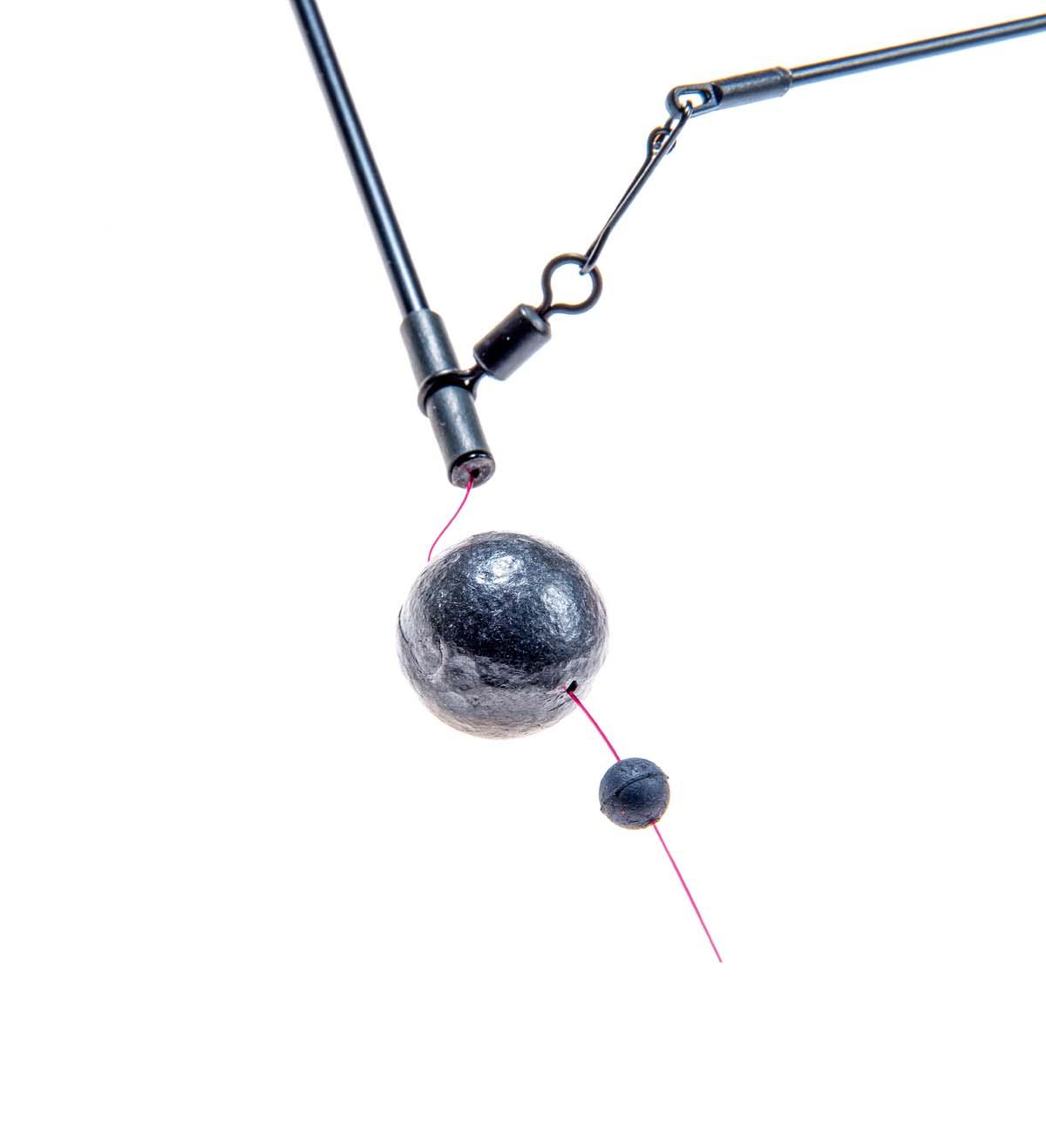 Für den Knotenschutz wird am Anschluss eine Gummiperle aufgefädelt. Foto: BLINKER/W. Krause