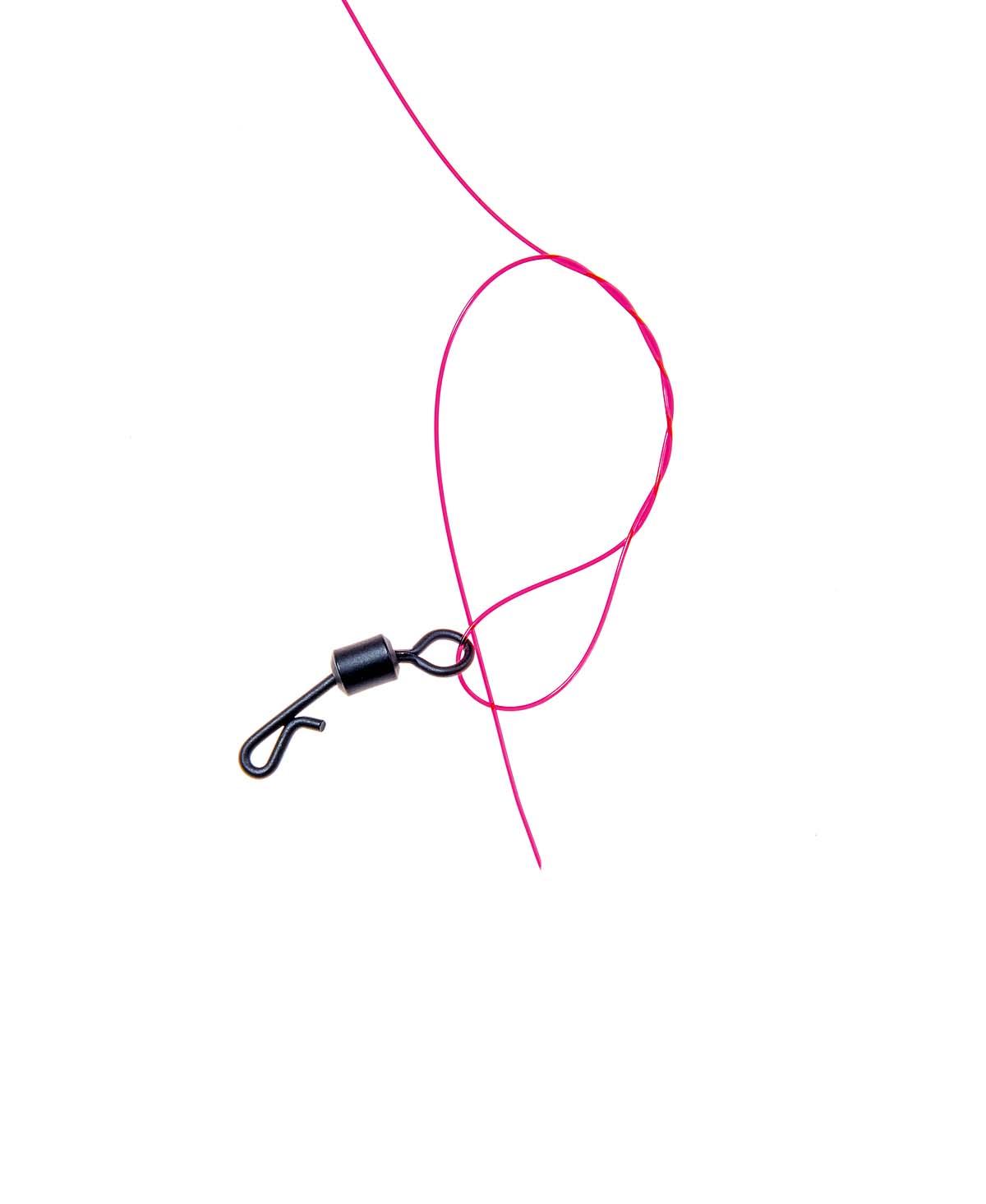 Im nächsten Schritt einen Schnellwechsel-Wirbel mittels Clinchknoten befestigen. Foto: BLINKER/W. Krause