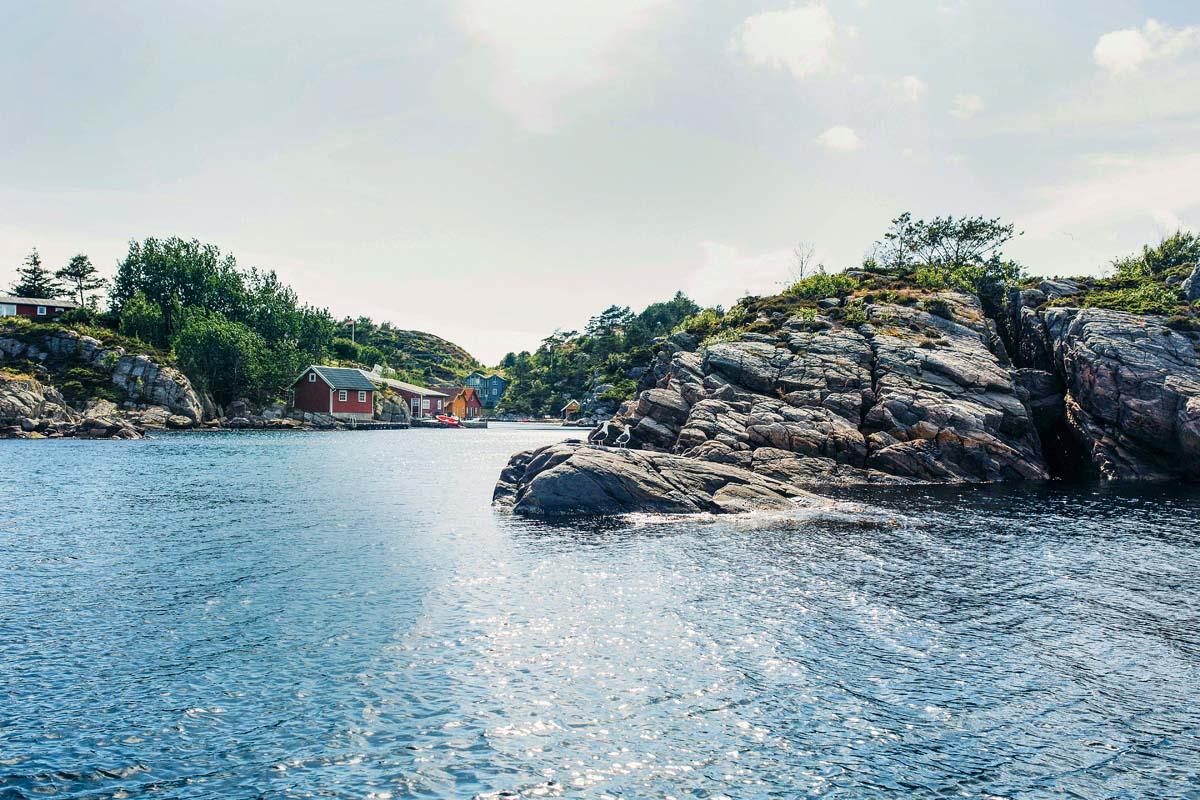 Aber auch solche Ufer-Spots sollten beim Spinnangeln in Norwegen unbedingt befischt werden. Foto: BLINKER/C. Niemann