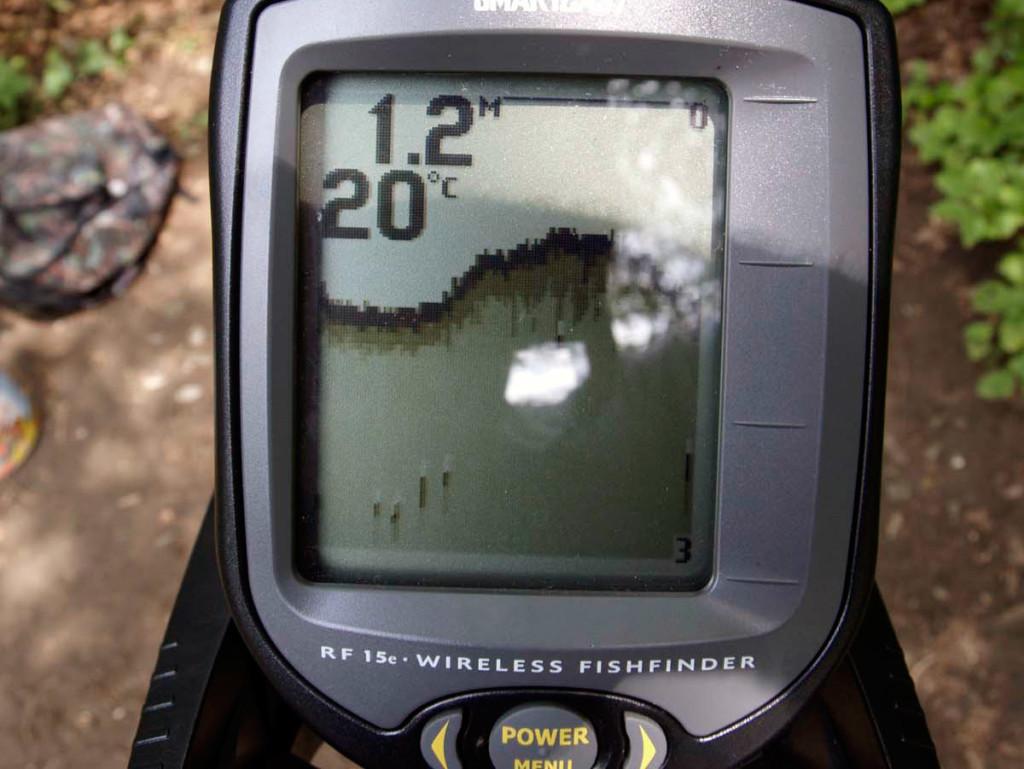 So sieht ein Hotspot auf dem Display des Echolotes aus. Deutlich ist ein Plateau erkennbar. Hier sollte man seinen Köder präsentieren. Foto: BLINKER/G. Bradler