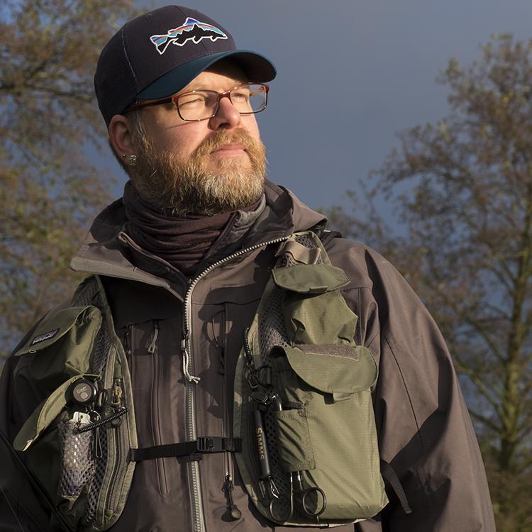 Biologe, Journalist, Autor, Axel Wessolowski, ist ein leidenschaftlicher Fliegenfischer und wie kaum ein anderer geeignet sein Wissen und seine Erfahrung weiterzugeben.