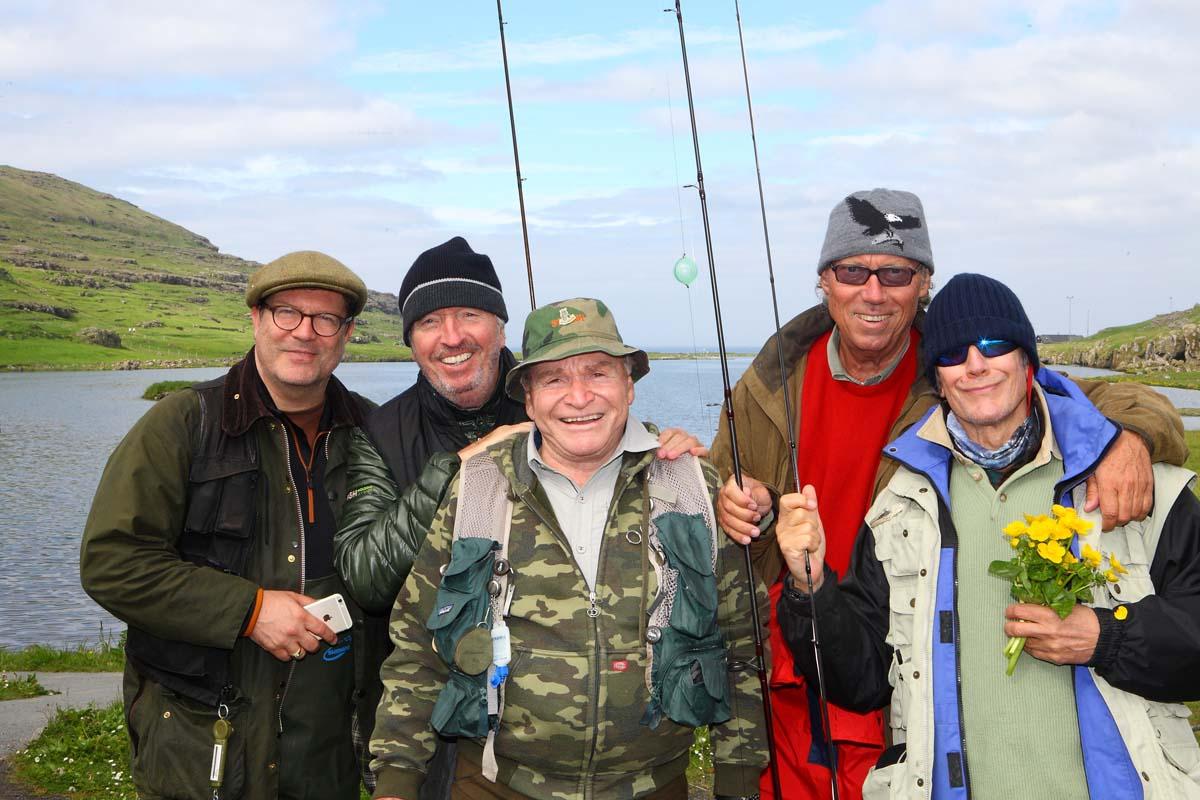 Die Promis der Royal Fishing Kinderhilfe haben sicherlich manchen Tipp für die Besucher parat, aber sie werden sich auch selbst ein paar Tipps holen und Tricks abschauen. Denn an der Regattastrecke schwingen viele der weltbesten Angler ihre Rute. Foto: FMS