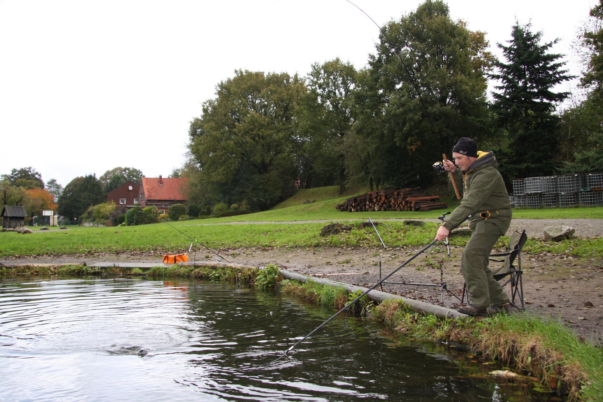 Ein Forellendrill mit dem Winkelpicker ist ein echter Hochgenuss. Mit etwas Geduld bekommt man den Fisch aber sicher in den Kescher. Foto: G. Bradley
