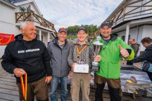 Haben gut Lachen (v.l.n.r.): Horst Hennings (Daiwa-Cormoran), Sven Klöer (Angelreisen Hamburg), Sven Kühnel und Patrick Schäfer (AR Hamburg/2016).