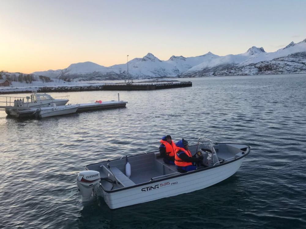 Mit dem 18 fuß Motorboot mit Echolot und Kartenplotter seid Ihr bestens gerüstet für Euer Angelvergnügen. Foto: Borks