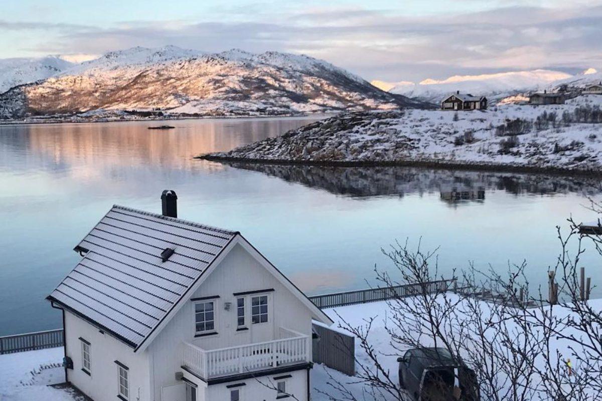 Wer einen Angelurlaub in Lødingen auf den Lofoten bucht, bekommt von Großfisch bis hin zu beeindruckenden Landschaften eine Menge geboten. Foto: Borks