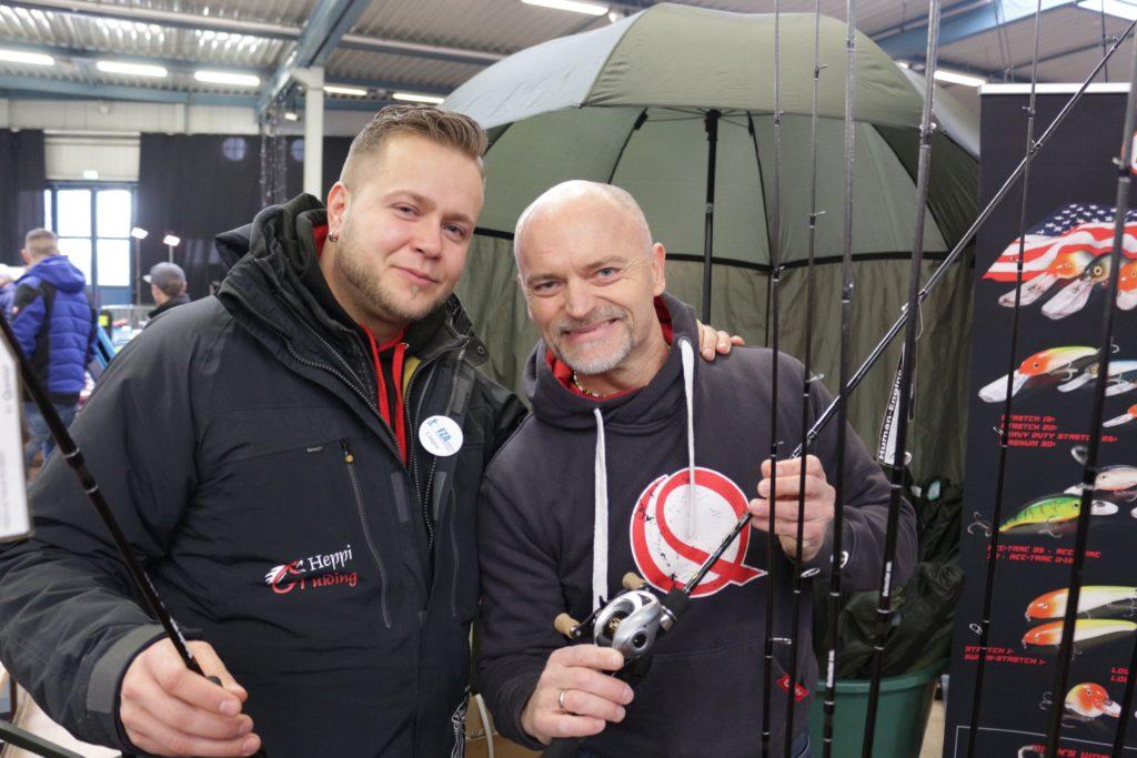 Am Stand von Johann Wessels stellte Dietmar Isaiasch seine neuen Vapor-Ruten vor. Foto: A. Pawlitzki