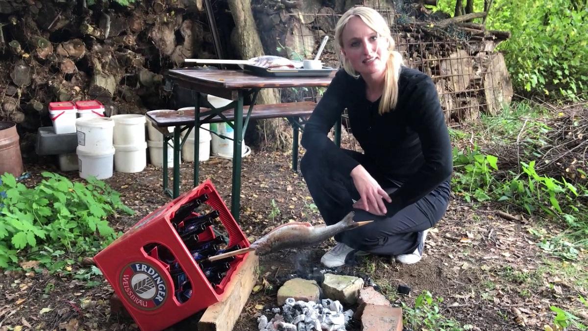 Wie im Video gesehen ist für die Zubereitung von Steckerlfisch eigentlich nur ein Getränkekasten von Nöten. Foto: A. Auer