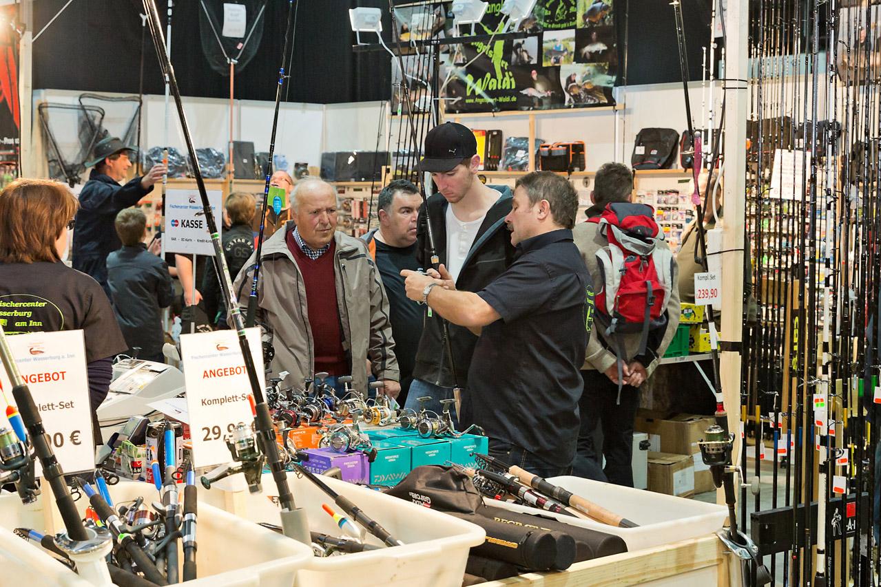 Top-Angebote, interessante Fachgespräche und jede menge Neuheiten erwartet Angelbegeisterte auf der Wild & Fisch in Offenburg. Foto: Messe Offenburg / BRAXART