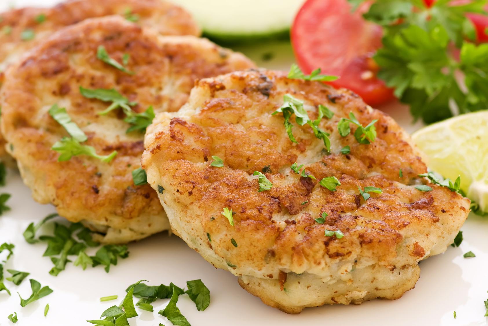 Die Gewürze können je nach Geschmack angepasst werden und geben den Fischfrikadellen den letzten Pfiff! Foto: Fotolia