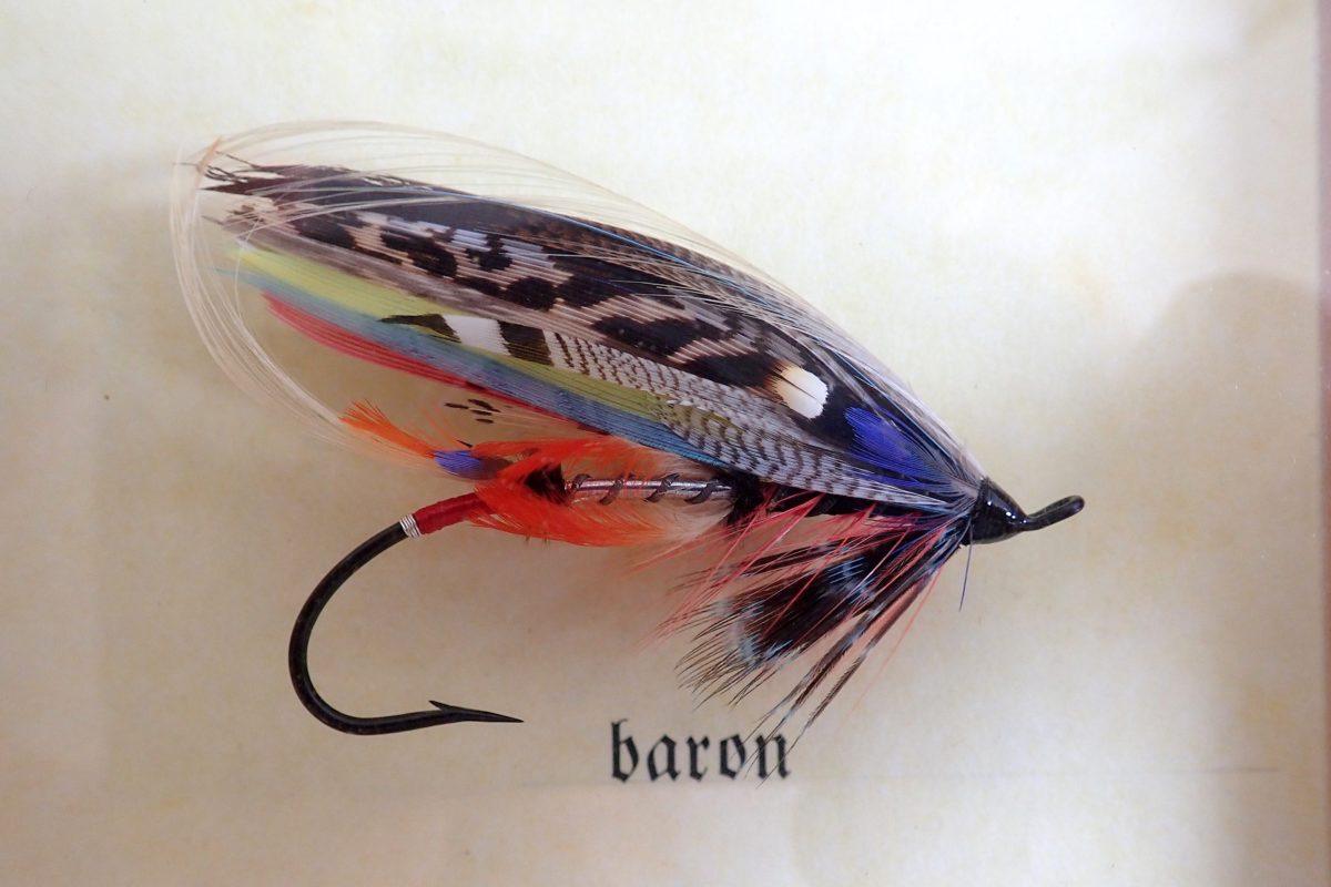 """Klassische Lachsfliege """"Baron"""" mit Dschungelhahn"""