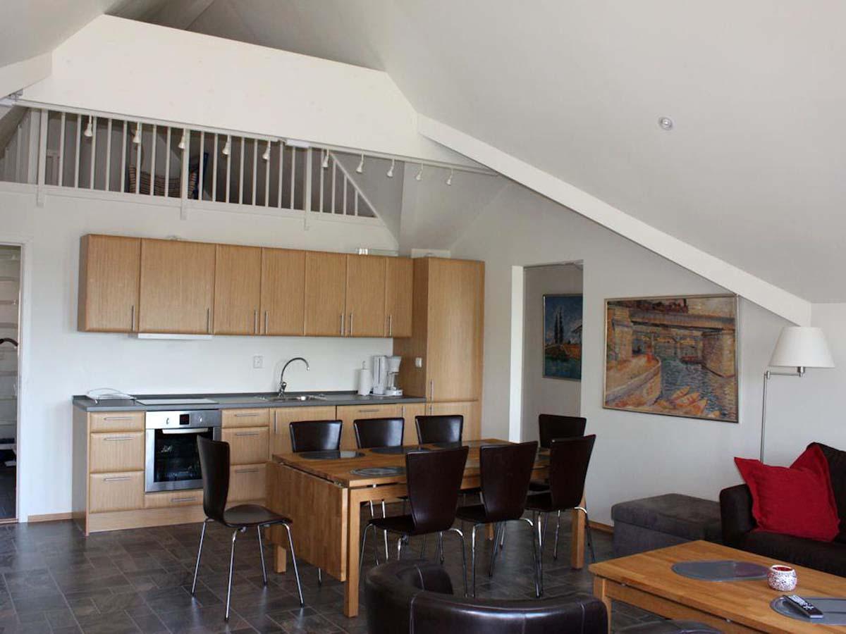 Die Ferienwohnung ist gemütlich eingerichtet und bietet Platz für bis zu zehn Personen. Foto: Borks