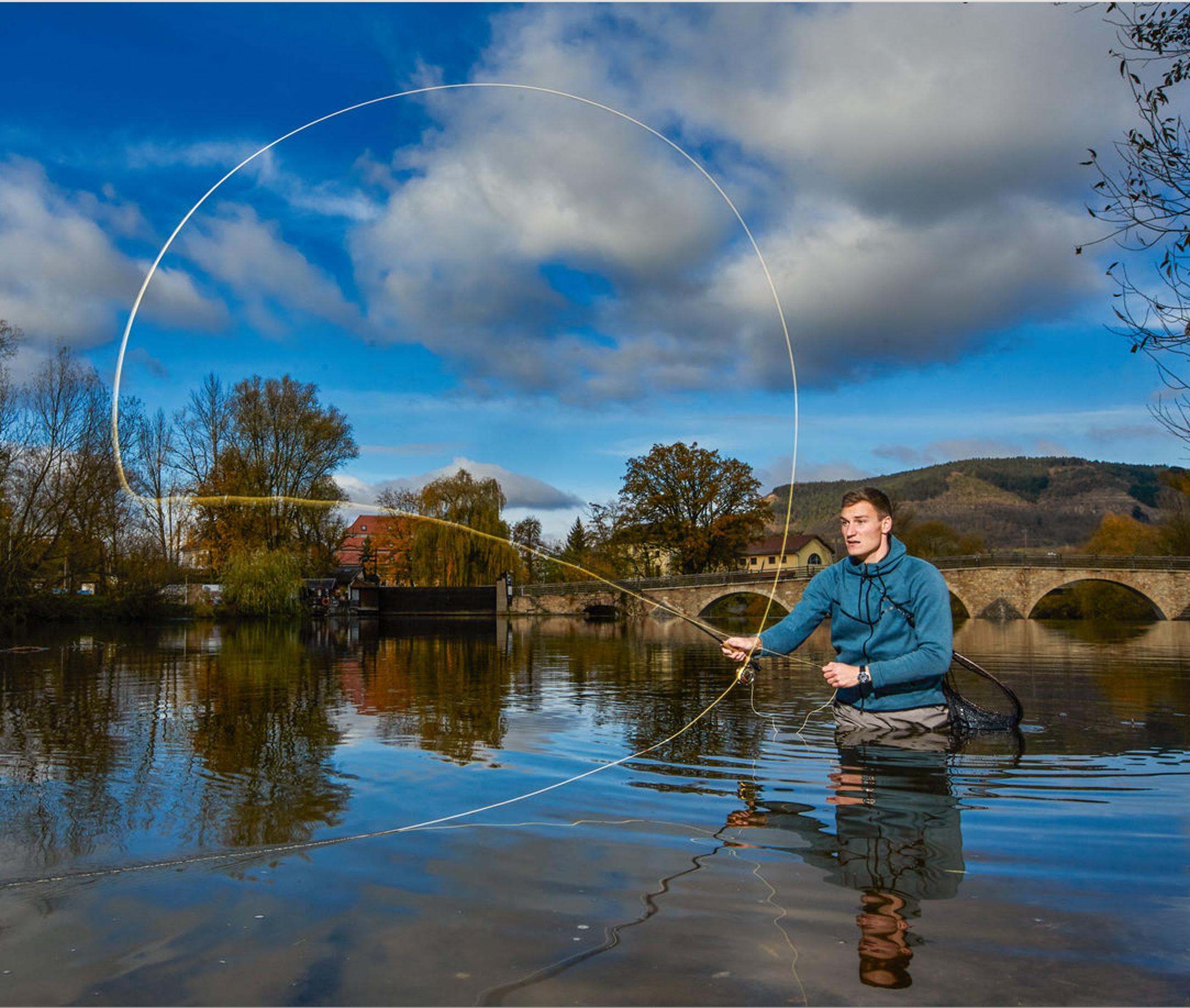 Auch beim Rollwurf passt bei Thomas Röhler das Timing, auch wenn für ihn die magische 100-Meter-Marke eher mit dem Speer als mit der Fliegenschnur erreichbar sein wird. Fotos: M. Handelmann