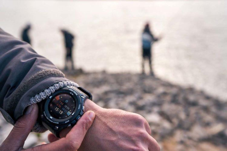 Mit der speziellen App-Erweiterung für Angler, ist die WSD-F20A Smartwatch optimal an unsere Bedürfnisse angepasst. Foto: Julian Jankowski